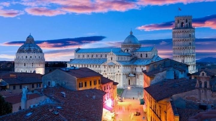 capodanno pisa in piazza in centro storico foto