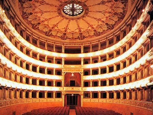 teatro verdi pisa foto